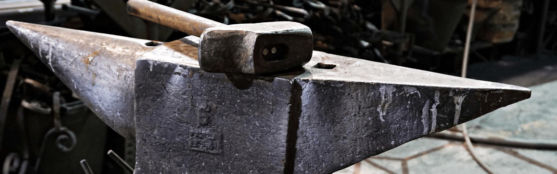 incudine e martello officina nastasi tumminello fabbro a genova